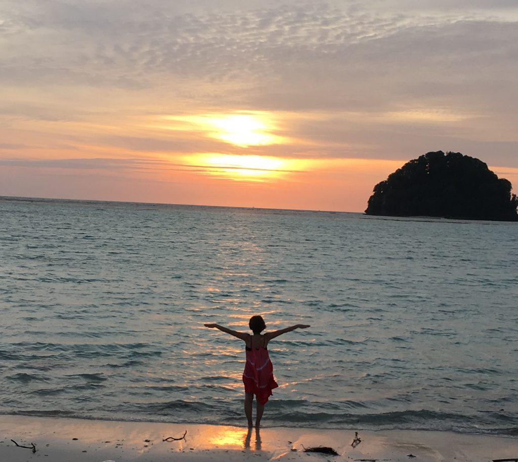 【アイランドワーク 体験会】湘南の片瀬海岸で五感解放!自分の枠を広げよう